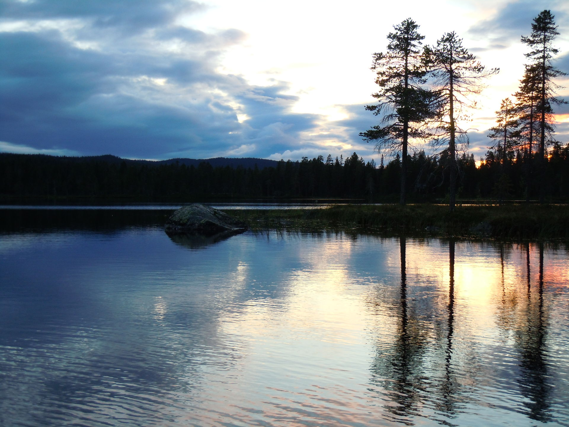 Fishing in the wild in Lapland